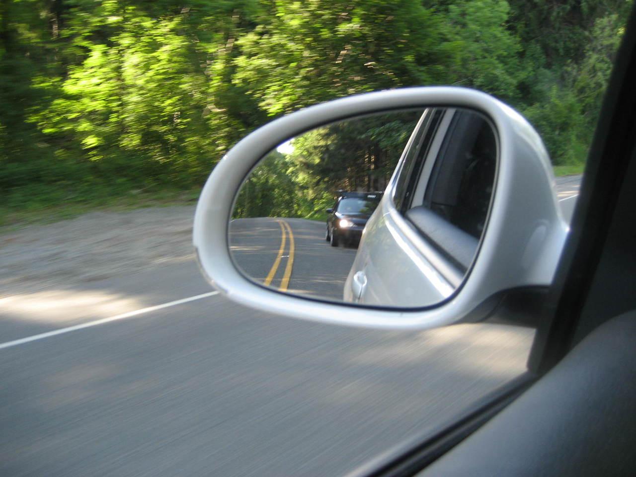 Rozmowy telefoniczne podczas jazdy